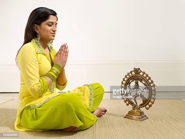 Hindu woman praying