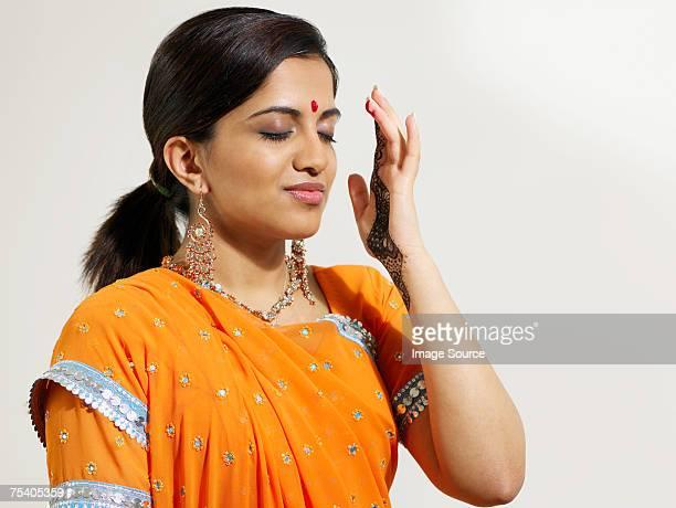Hindu woman with bindi