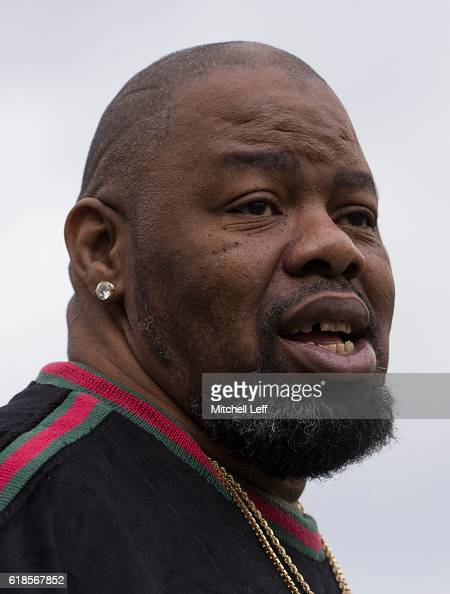 Hip hop artist Biz Markie looks on prior to the game between the Minnesota Vikings and Philadelphia Eagles at Lincoln Financial Field on October 23...