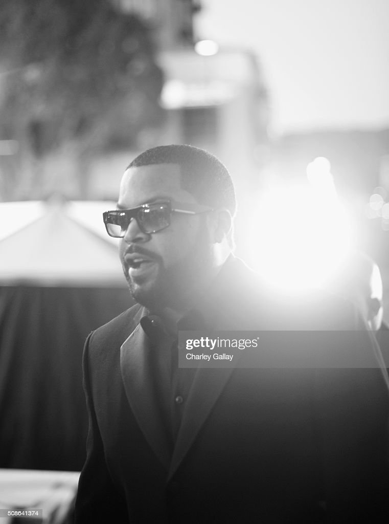 Hip-hop artist <a gi-track='captionPersonalityLinkClicked' href=/galleries/search?phrase=Ice+Cube+-+Artiest&family=editorial&specificpeople=202098 ng-click='$event.stopPropagation()'>Ice Cube</a> attends the 47th NAACP Image Awards presented by TV One at Pasadena Civic Auditorium on February 5, 2016 in Pasadena, California.