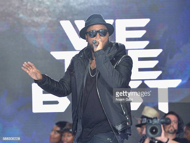 Hiphop artist Kent Jones performs from the runway during the BET How To Rock Denim show at Milk Studios on August 10 2016 in New York City
