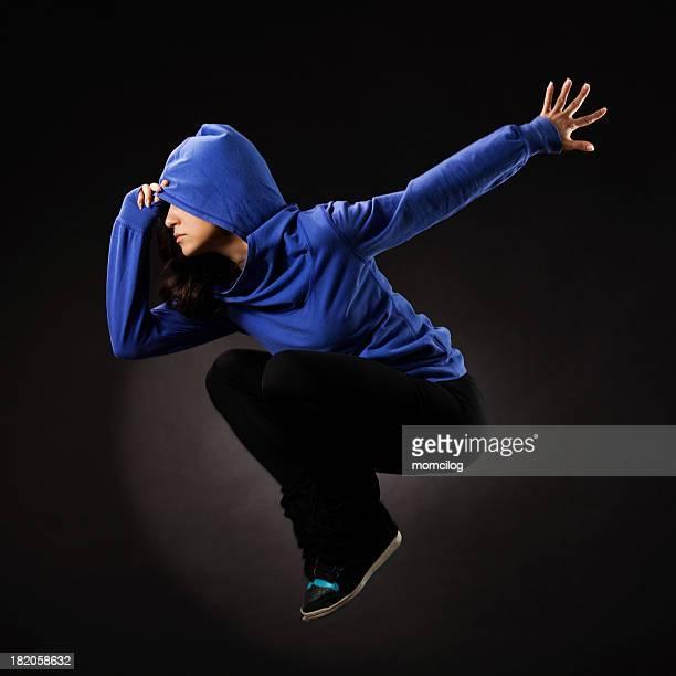 style Hip-hop de femme saut de danseuse