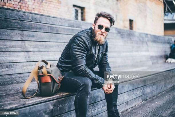 Homme de hipster posant