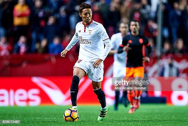 Hiroshi Kiyotake of Sevilla FC in action during the La Liga match between Sevilla FC and Valencia CF at Estadio Ramon Sanchez Pizjuan on November 26...