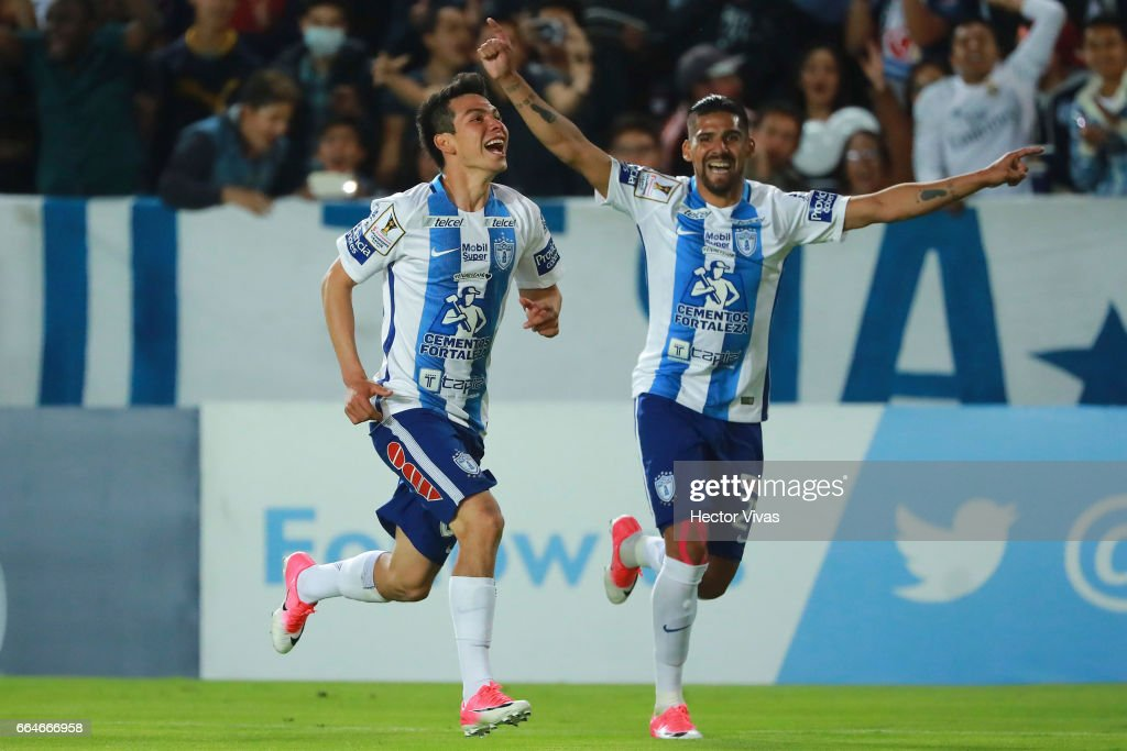 Hirving Lozano of Pachuca celebrates after scoring the third and winning goal of his team during the semifinals second leg match between Pachuca and FC Dallas as part of the CONCACAF Champions League 2017 at Hidalgo Stadium on April 04, 2017 in Pachuca, Mexico.