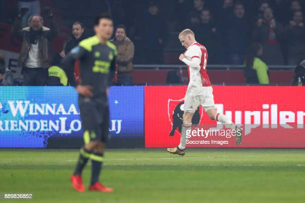 Hirving Lozano of PSV Donny van de Beek of Ajax during the Dutch Eredivisie match between Ajax v PSV at the Johan Cruijff Arena on December 10 2017...
