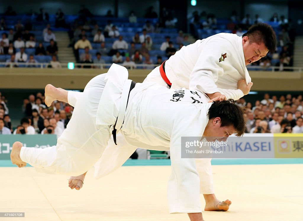Hisayoshi Harasawa (top) and <a gi-track='captionPersonalityLinkClicked' href=/galleries/search?phrase=Ryu+Shichinohe&family=editorial&specificpeople=9207686 ng-click='$event.stopPropagation()'>Ryu Shichinohe</a> (bottom) compete in the final of the All Japan Judo Championship at the Nippon Budokan on April 29, 2015 in Tokyo, Jpaan.