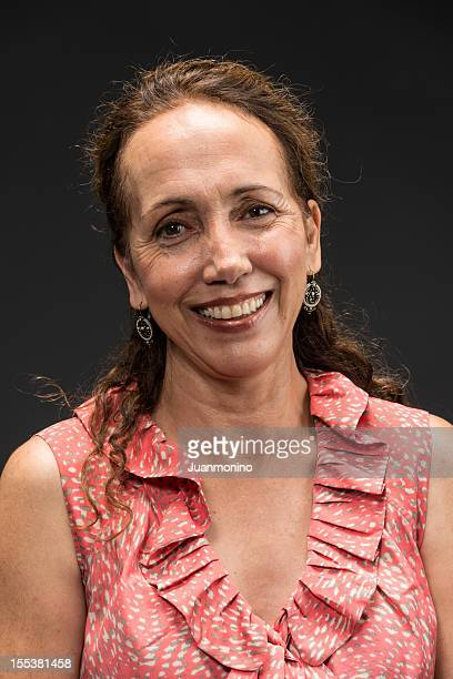 Hispanique femme dans la cinquantaine
