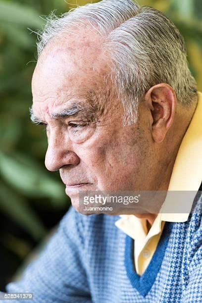 senior homme hispanique