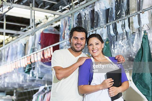 Hispânico pequenos proprietários das empresas de produtos de limpeza a seco