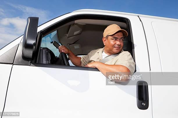 Hispânico Trabalhador condução van