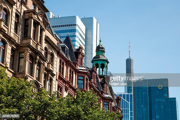 Historic building and Commerzbank tower