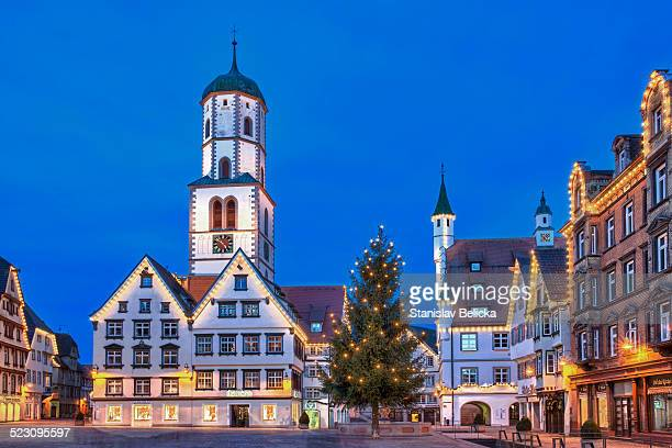 Historic buildings, market square, St. Martin parish church, town hall, Des Esels Schatten sculpture, Christmas tree, dusk, Biberach an der Riss, Baden-Wuerttemberg, Germany, Europe