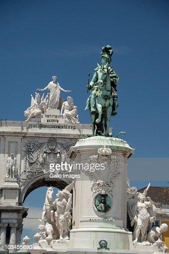 Historic statue of King Jose I, Black Horse Square, Baixa quarter, Lower Town, Lisbon, Portugal : Stock-Foto
