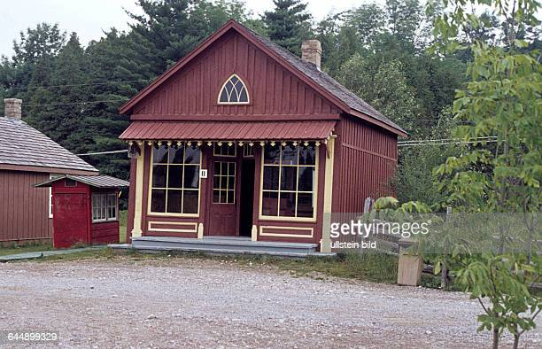 Historische Schneiderei und Post im Doon Heritage Village Kanada 1977 *Aufnahmedatum geschätzt*