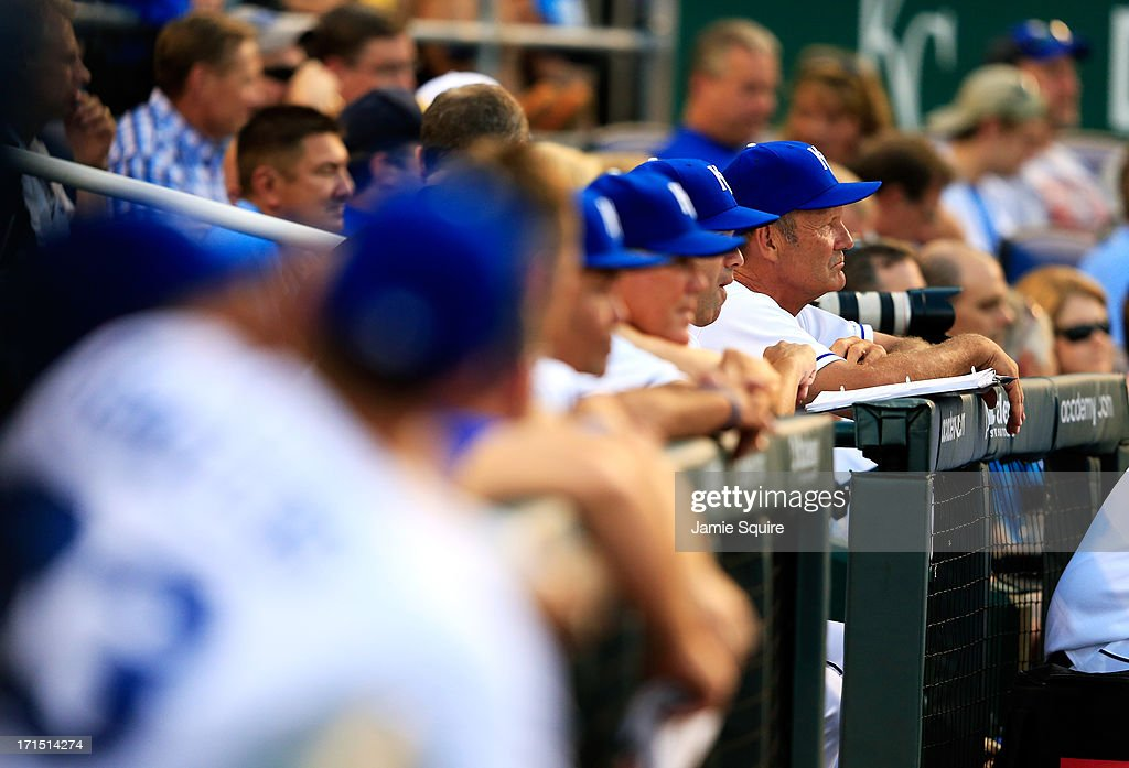 Hitting coach <a gi-track='captionPersonalityLinkClicked' href=/galleries/search?phrase=George+Brett&family=editorial&specificpeople=203116 ng-click='$event.stopPropagation()'>George Brett</a> #5 of the Kansas City Royals watches from the dugout during the game against the Atlanta Braves at Kauffman Stadium on June 25, 2013 in Kansas City, Missouri.
