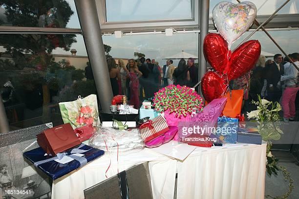 Hochzeitsgeschenke Bei Der Feier Im China Club In Berlin