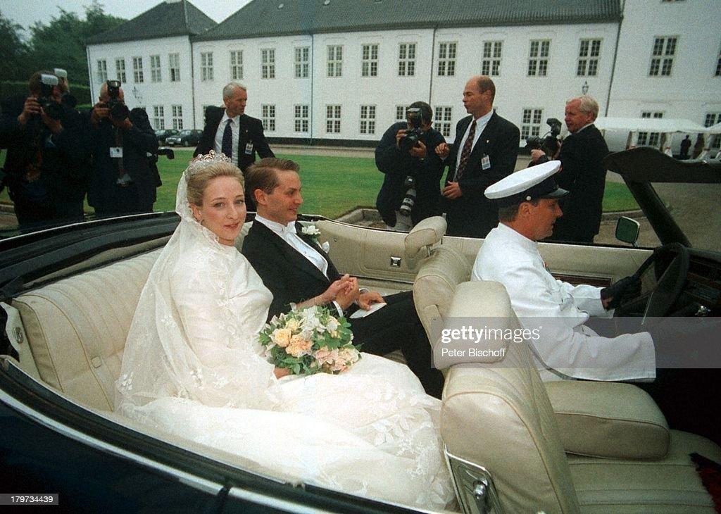 Hochzeit von Prinzessin Alexandra zu;Sayn-Wittgenstein-Berleburg und Graf;Jefferson-Friedrich von Pfeil und;Klein-Ellguth, Schloß Graasten, Brautpaar,