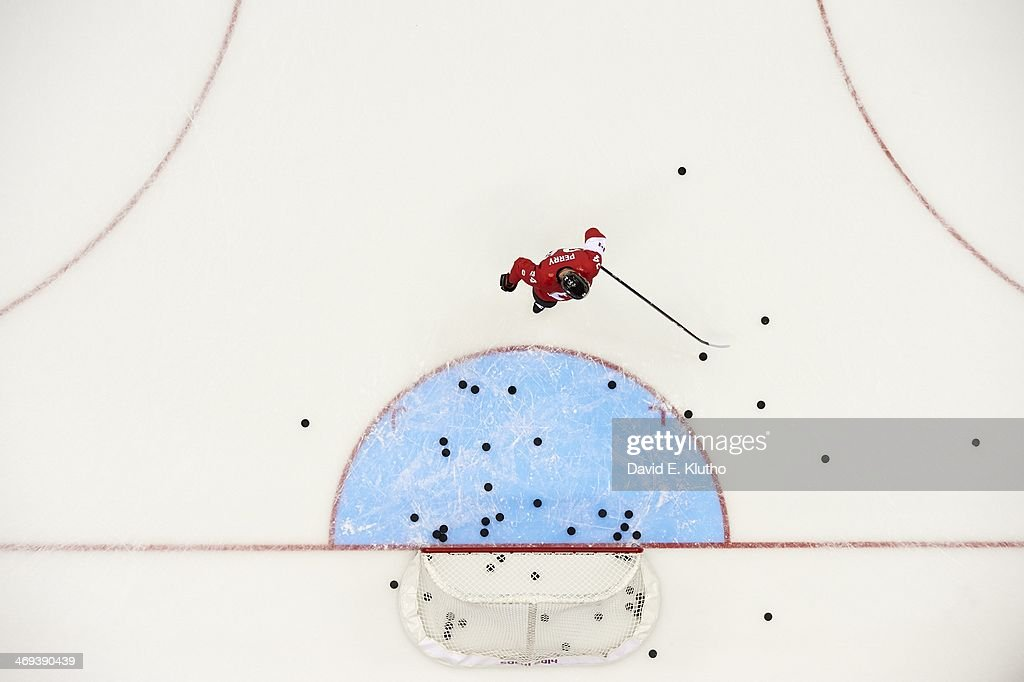 Aerial view of Canada Corey Perry (24) warming up before Men's Preliminary Round - Group B game vs Norway at Bolshoy Ice Dome. David E. Klutho F9 )