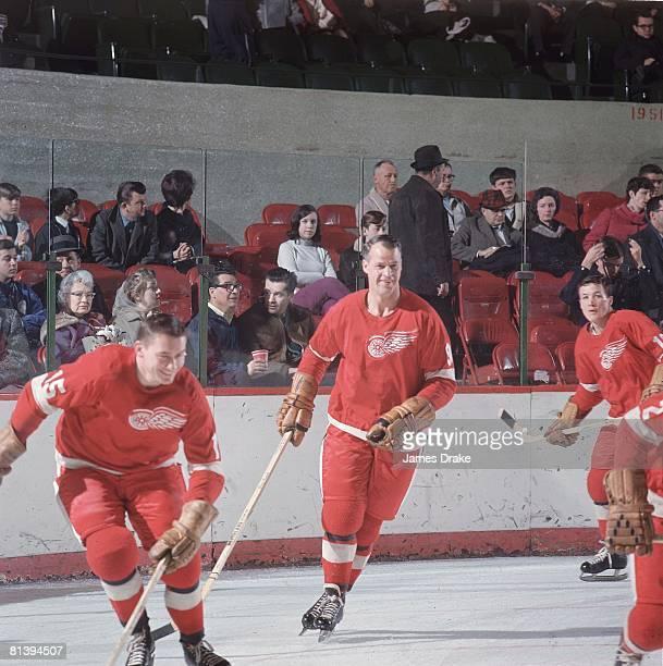 Hockey Detroit Red Wings Gordie Howe during game 1/1/19673/31/1967