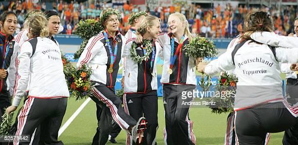 Hockey / Frauen Olympische Spiele Athen 2004 Athen Finale / Deutschland / Gold Niederlande / Silber 21 Der Jubel kennt keine Grenzen bei den...