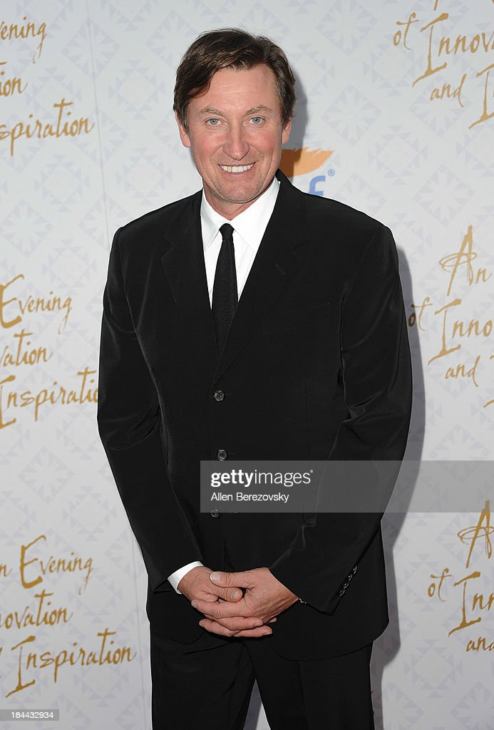 Hockey legend Wayne Gretzky attends the 10th annual Alfred Mann Foundation Gala at 9900 Wilshire Blvd on October 13, 2013 in Beverly Hills, California.