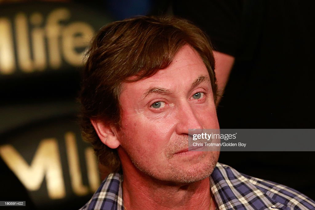 Hockey legend Wayne Gretzky attends the Ishe Smith and Carlos Molina IBF junior middleweight title fight at the MGM Grand Garden Arena on September 14, 2013 in Las Vegas, Nevada.