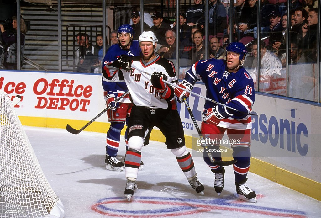hockey-new-york-rangers-mark-messier-in-
