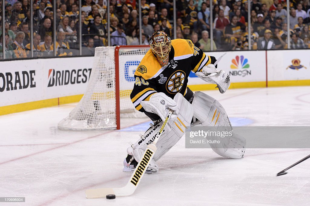 Boston Bruins goalie Tuukka Rask (40) in action vs Chicago Blackhawks at TD Garden. Game 4. David E. Klutho F21 )