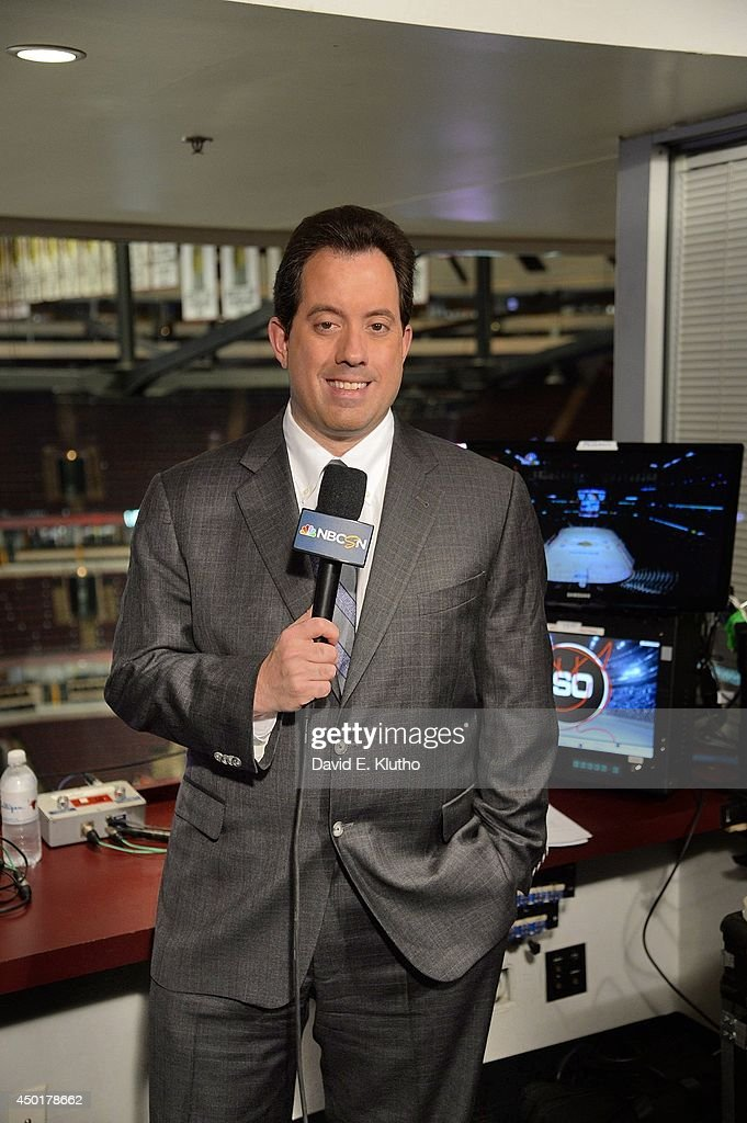 Portrait of NBC Sports announcer Kenny Albert before Game 7 between Chicago Blackhawks and Los Angeles Kings at United Center. David E. Klutho TK1 )