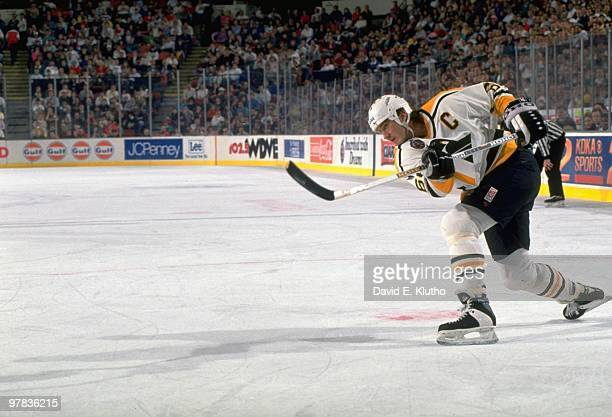 Pittsburgh Penguins Mario Lemieux in action taking shot vs St Louis Blues during preseason Cover Pittsburgh PA 11/5/1992 CREDIT David E Klutho
