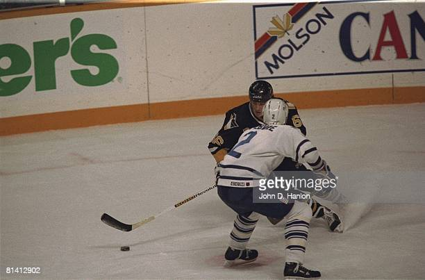 Hockey Pittsburgh Penguins Mario Lemieux in action vs Toronto Maple Leafs Sylvain Lefebvre Toronto Canada 11/7/1992