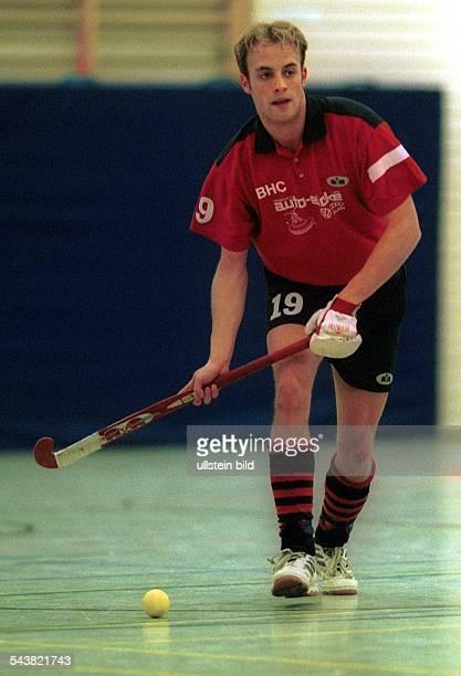 Hockeyspieler Patrick Siebert vom Berliner HC beim Hallenhockey