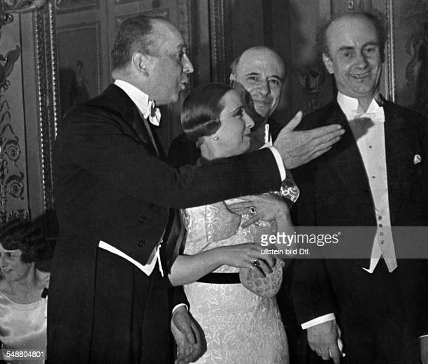Hoesch Leopold von diplomat ambassador Germany *10061881 With the pianist Mrs Tagliaferro and the music director Wilhelm Furtwaengler during a...