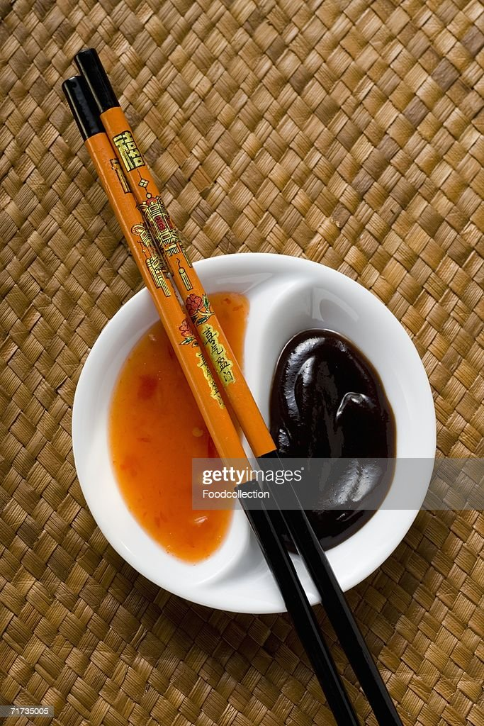 Hoisin sauce and sweet and sour chili sauce (Asia)