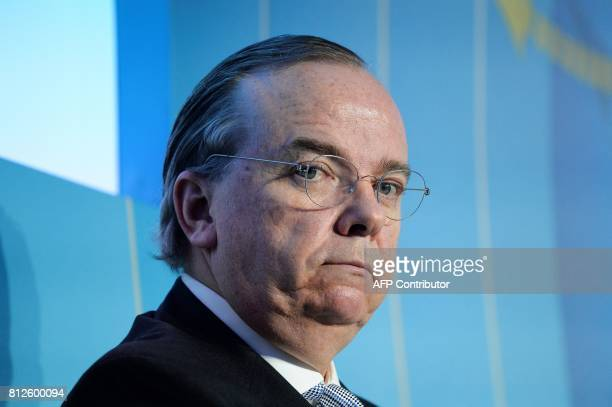 Holding CEO Stuart Gulliver attends a session at the Paris Europlace international financial forum in Paris on July 11 2017 / AFP PHOTO / ERIC...