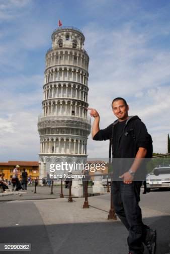 Holding up Pisa