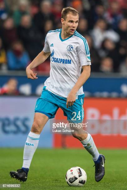 Holger Badstuber of Schalke in action in the defense during the Bundesliga match between Bayer 04 Leverkusen and FC Schalke 04 at BayArena on April...