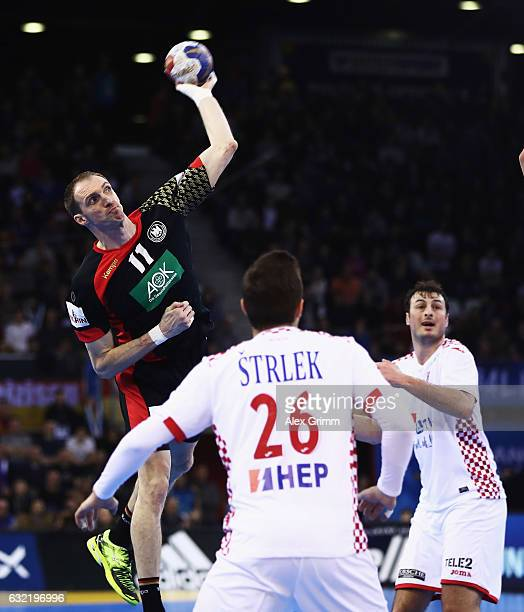 Holger Glandorf of Germany in action during the 25th IHF Men's World Championship 2017 match between Germany and Croatia at Kindarena on January 20...