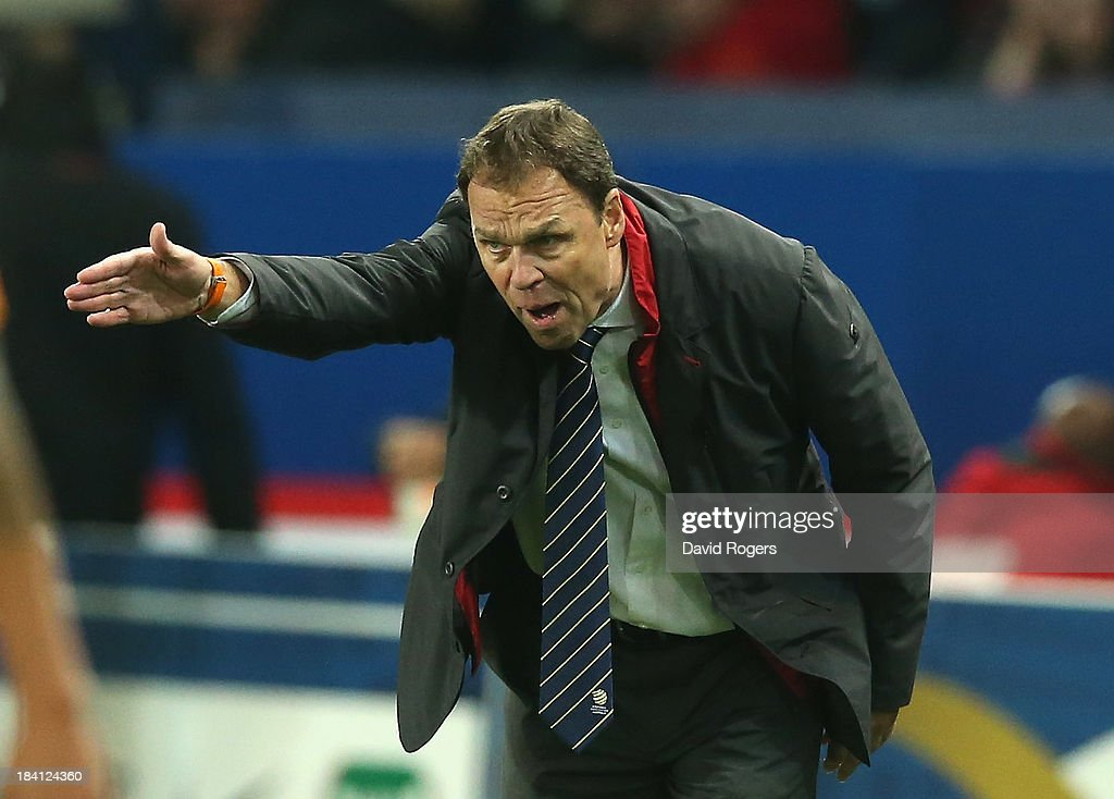 <a gi-track='captionPersonalityLinkClicked' href=/galleries/search?phrase=Holger+Osieck&family=editorial&specificpeople=579862 ng-click='$event.stopPropagation()'>Holger Osieck</a>, the Australia manager shouts instructions during the International Friendly match between France and Australia at Parc des Princes on October 11, 2013 in Paris, France.