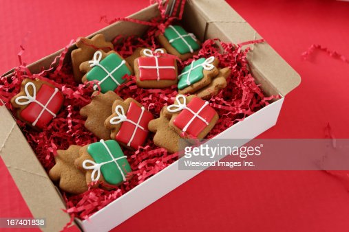 cookies pour les fêtes de fin d'année à la main : Photo