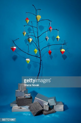 Holiday Tree With Gifts