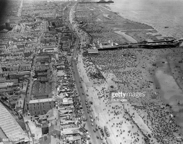 Holidaymakers on Blackpool beach
