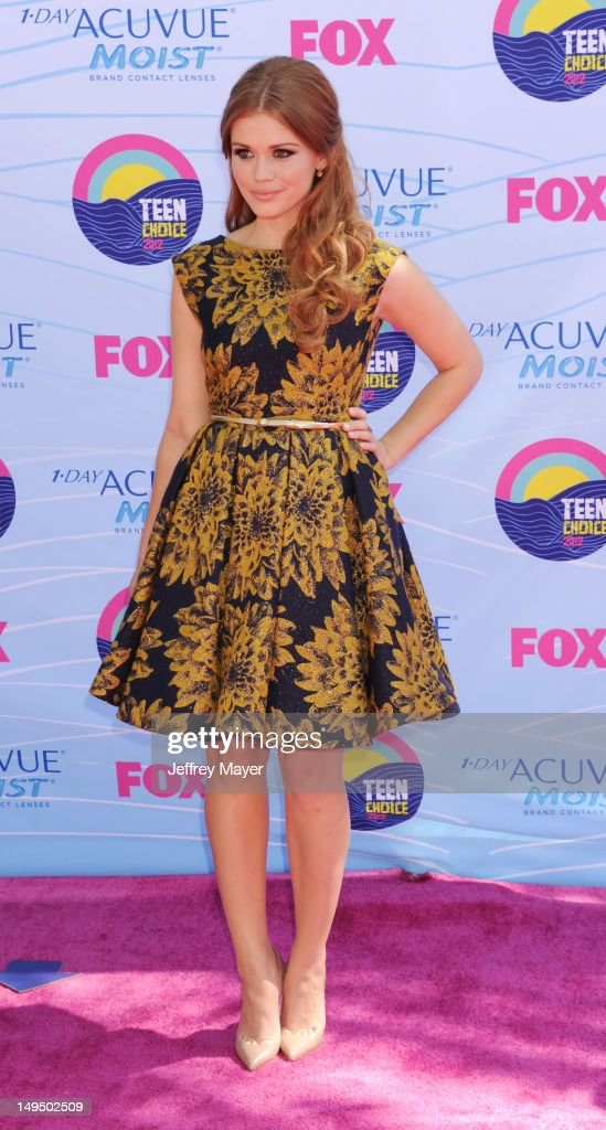 Holland Roden arrives at the 2012 Teen Choice Awards at Gibson Amphitheatre on July 22, 2012 in Universal City, California.