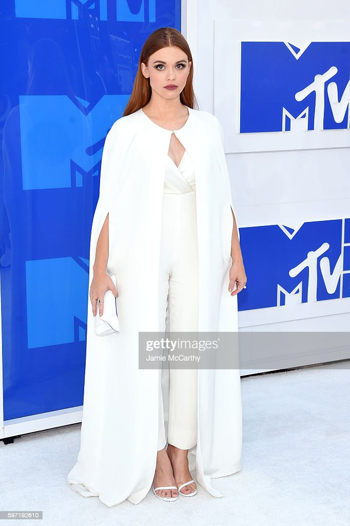 Holland Roden attends the 2016 MTV Video Music Awards at Madison Square Garden on August 28 2016 in New York City