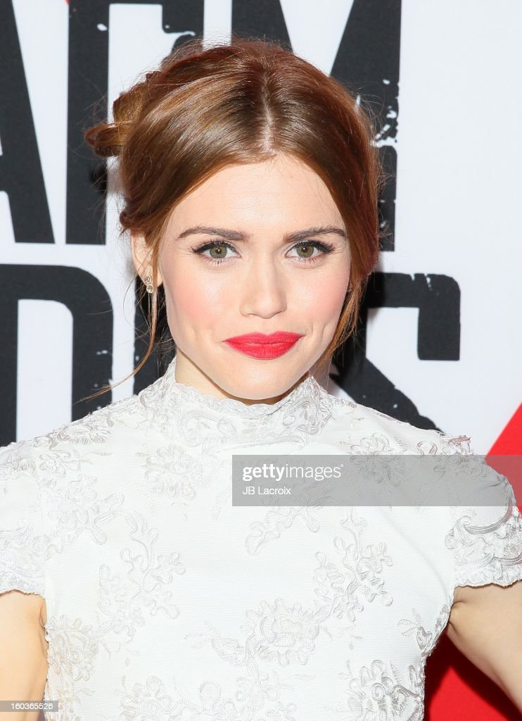 Holland Roden attends the 'Warm Bodies' premiere held at ArcLight Cinemas Cinerama Dome on January 29, 2013 in Hollywood, California.