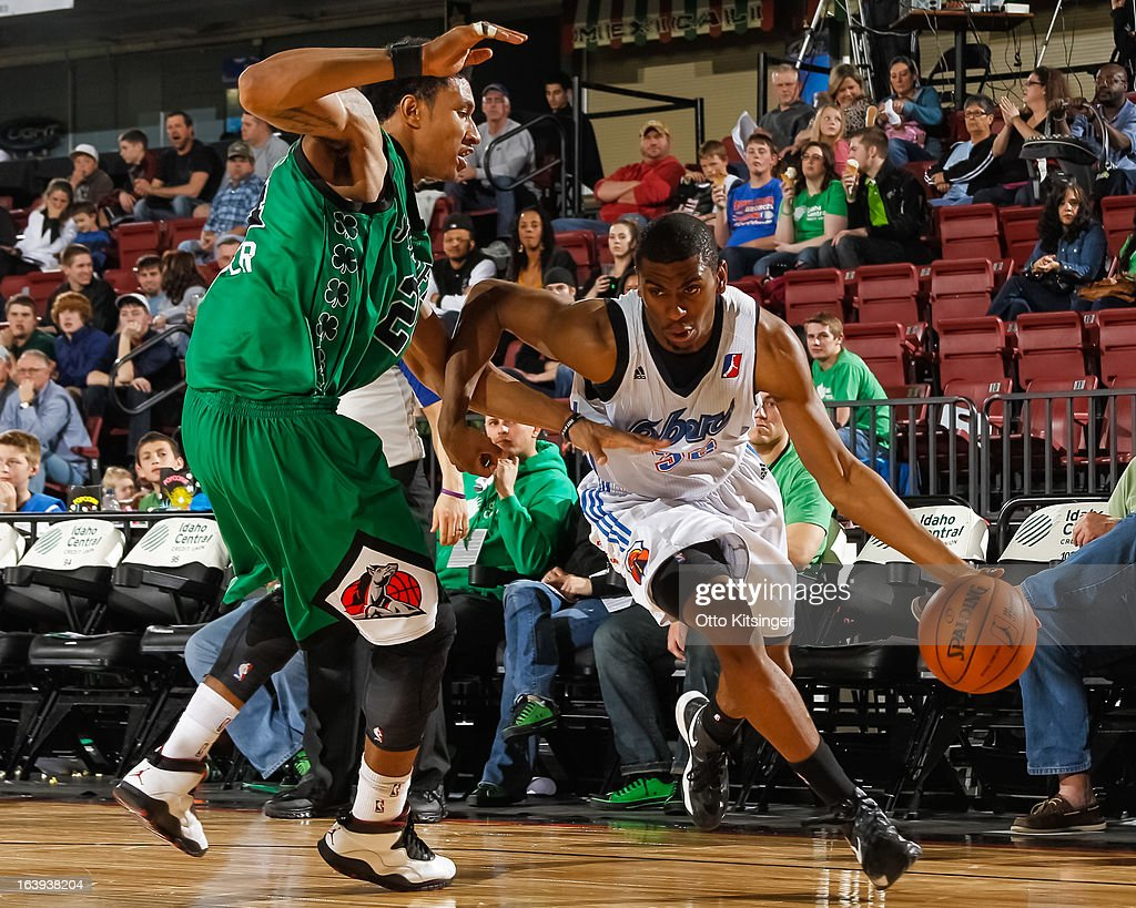 <a gi-track='captionPersonalityLinkClicked' href=/galleries/search?phrase=Hollis+Thompson&family=editorial&specificpeople=6586021 ng-click='$event.stopPropagation()'>Hollis Thompson</a> #32 of the Tulsa 66ers drives the ball against Justin Harper #24 of the Idaho Stampede during an NBA D-League game on March 16, 2013 at CenturyLink Arena in Boise, Idaho. The Stampede wore green jerseys for a St. Patrick's Day-related fundraiser.