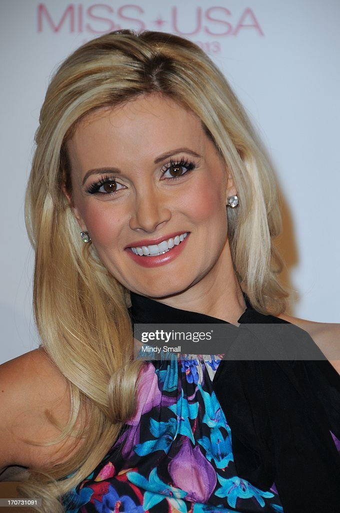 <a gi-track='captionPersonalityLinkClicked' href=/galleries/search?phrase=Holly+Madison&family=editorial&specificpeople=227275 ng-click='$event.stopPropagation()'>Holly Madison</a> arrives at the 2013 Miss USA pageant at Planet Hollywood Resort & Casino on June 16, 2013 in Las Vegas, Nevada.