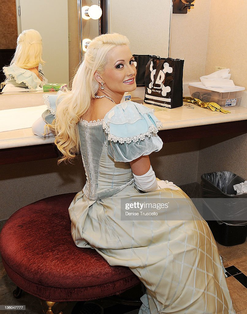 <a gi-track='captionPersonalityLinkClicked' href=/galleries/search?phrase=Holly+Madison&family=editorial&specificpeople=227275 ng-click='$event.stopPropagation()'>Holly Madison</a> backstage before her appearance in Nevada Ballet Theatre's The Nutcracker performance at Paris Las Vegas on December 17, 2011 in Las Vegas, Nevada.