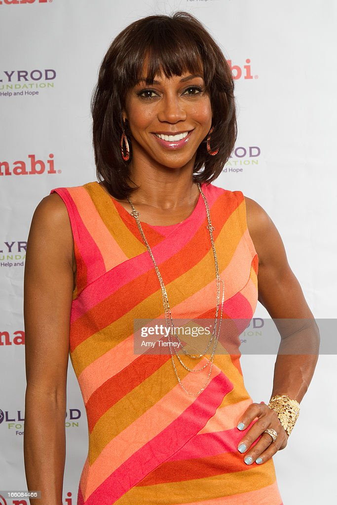 Holly Robinson Peete attends a donation on behalf of nabi to the HollyRod Foundation to help families living with autism at Fuhu, Inc. on April 7, 2013 in Los Angeles, California.